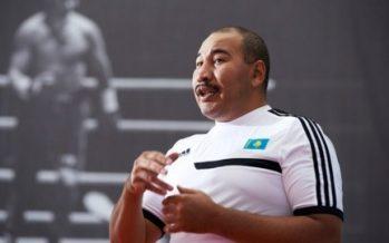 Олимпиада чемпионы Ермахан Ыбрайымов 10 баланың әкесі атанды