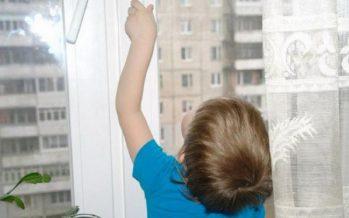 Тентек немере әжесін 35 градус аязда балконға қамап қойды