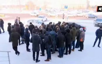 Астанадағы «Абу-Даби Плазадан» бір түнде 400-дей қазақ жұмыстан шығарылған