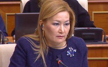 Білім вице-министрі 600 мың теңге жалақы алады