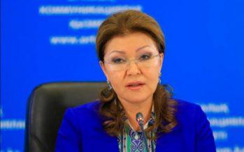 Дариға Назарбаева: Құдайға шүкір, орыс тіліне ешкім шектеу қойған жоқ