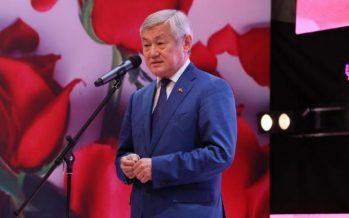 Ақтөбе облысының әкімі: Менің Сапарбаев болғаным анам мен әйелімнің арқасы