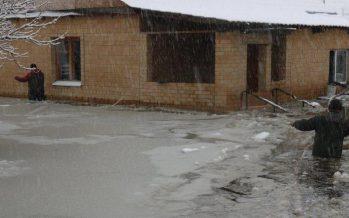 Аягөзде төтенше жағдай жарияланып, 400 адам эвакуацияланды (ВИДЕО)