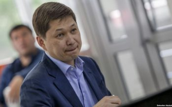 Қырғызстанның экс-премьері Сапар Исаков қамауға алынды