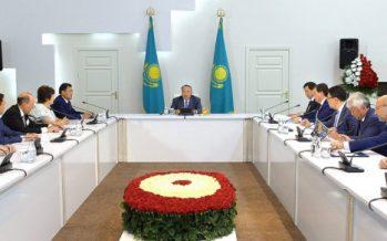 Нұрсұлтан Назарбаев: «Болат Бақауов … Бұл масқара! Ол суреттерді ешкімге көрсетпе! Сұмдық!»