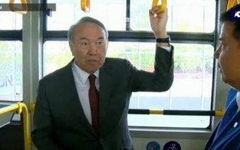Назарбаев Алматыға көшіп келетіндерге жер бөлуге тапсырма берді