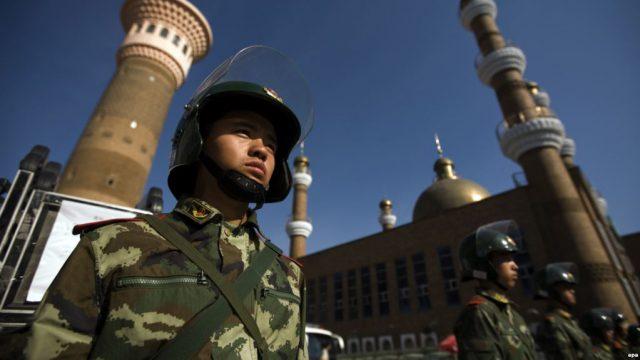 БАҚ: Қытайдың саяси лагерінде қамауда отырған қазақтардың тізімі жарияланды
