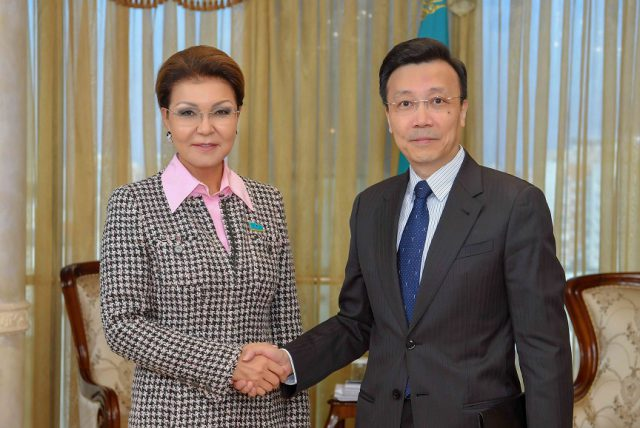Дариға Назарбаева Қытай елшісімен кездесуде этникалық қазақтар мәселесін көтерді