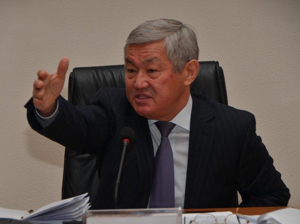 """""""Менде грузчик болғанмын"""" дейді министр Сапарбаев"""